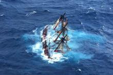 HMS Bounty sinks.